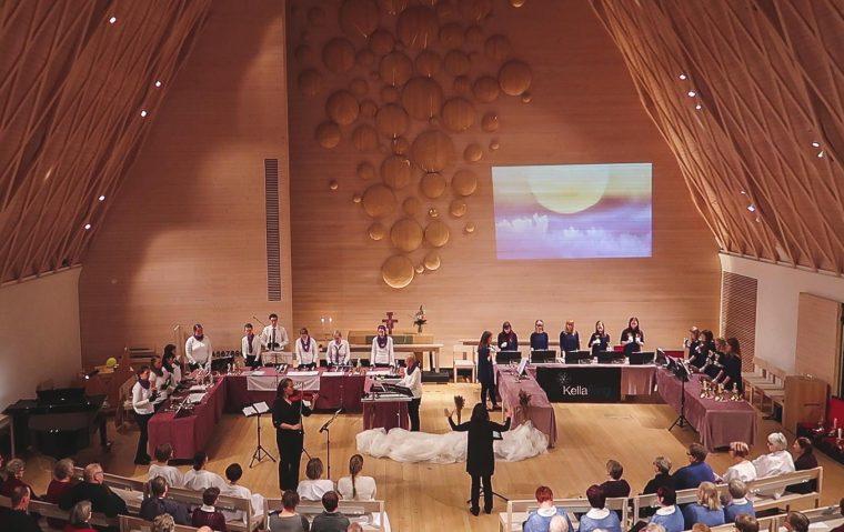 KellaRingi kontsertansambel esines edukalt Soomes Jyväskylä Kuokkala kirikus